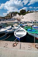 Castro Marina - Salento - Puglia - Porto di Castro Marina. Barche attraccate.