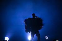 """SAO PAULO, 22 DE MAIO DE 2013. SHOW PET SHOP BOYS. O duo inglês Pet Shop Boys durante apresentação de show da  turnê do disco """"Electric"""" no Credicard Hall, na zona sul da capital paulista, na noite desta quarta feira, 22. O grupo é formado pelo vocalista Neil Tennant e Chris Lowe. FOTO ADRIANA SPACA/BRAZIL PHOTO PRESS"""