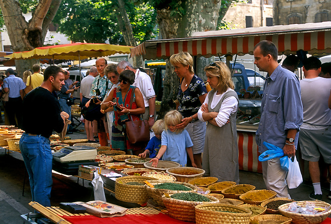 People, spice vendor, Wednesday Market, city of Saint Remy de Provence, Provence Alpes Cote d'Azur, France, Europe