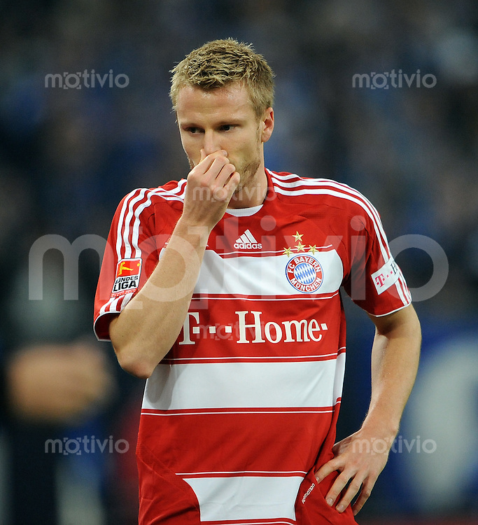 FUSSBALL   1. BUNDESLIGA   SAISON 2008/2009   12. SPIELTAG FC Schalke 04 - FC Bayern Muenchen         09.11.2008 Christian LELL (FC Bayern Muenchen) enttaeuscht