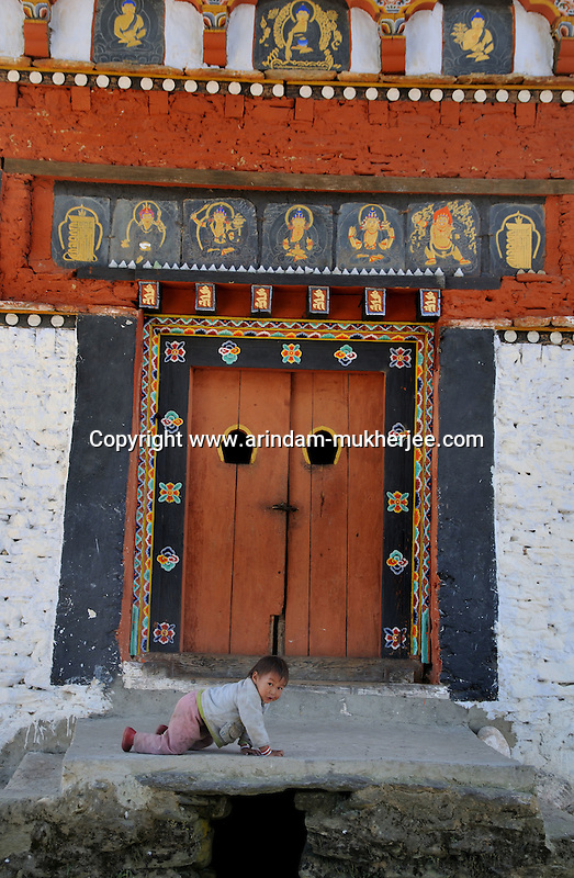 A bhutanese child at Jakar in Bumthang. Arindam Mukherjee.