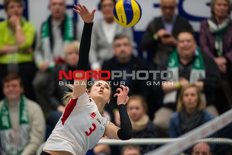 21.02.2015, Halle Berg Fidel, Muenster<br /> Volleyball, Bundesliga Frauen, USC M&uuml;Ÿnster / Muenster vs. Rote Raben Vilsbiburg<br /> <br /> Angriff Rebecka Lazic (#3 Vilsbiburg)<br /> <br />   Foto &copy; nordphoto / Kurth