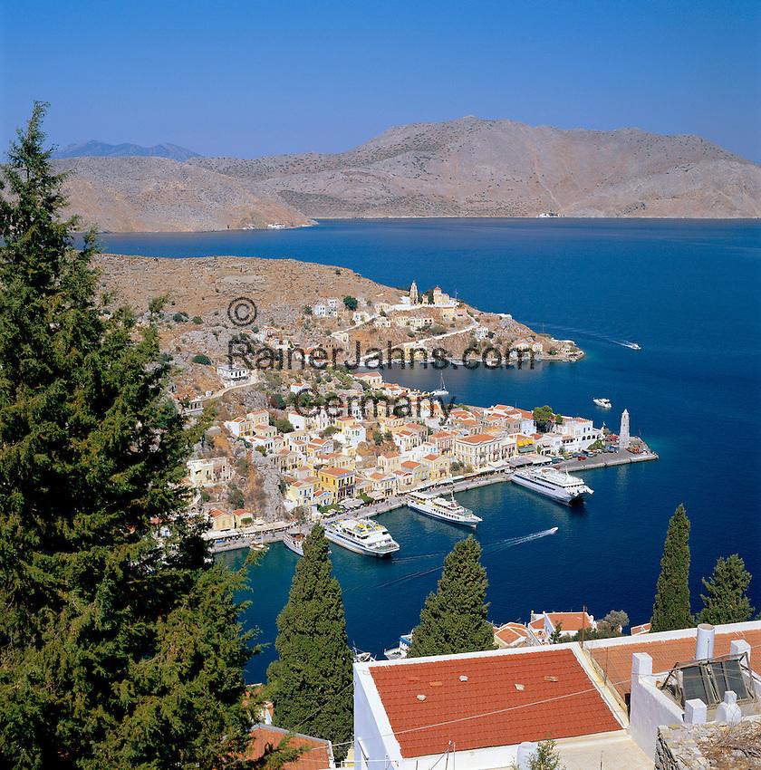 Greece, Symi Island, Chorio: view across harbour Gialós   Griechenland, Dodekanes, Insel Symi, Chorio: Blick ueber den Hafen Gialós