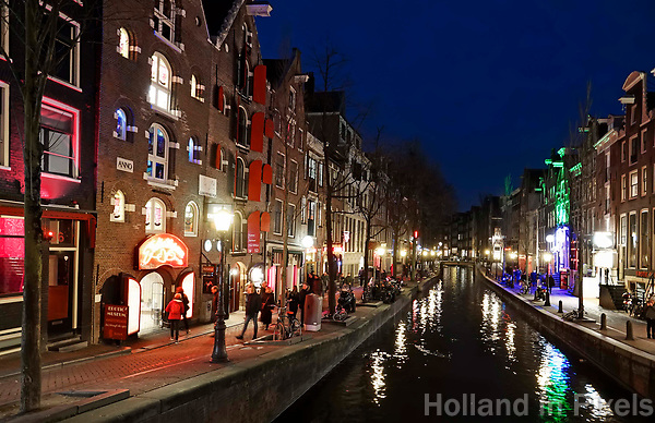 Nederland Amsterdam 2018.  Red Light District. Oudezijds Achterburgwal. De Wallen. Foto Berlinda van Dam / Hollandse Hoogte