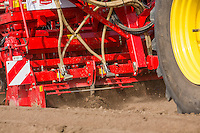 Planting Maris Piper potatoes with a Grimme GL 430 & combination rotary cultivator - Lincolnshire, April