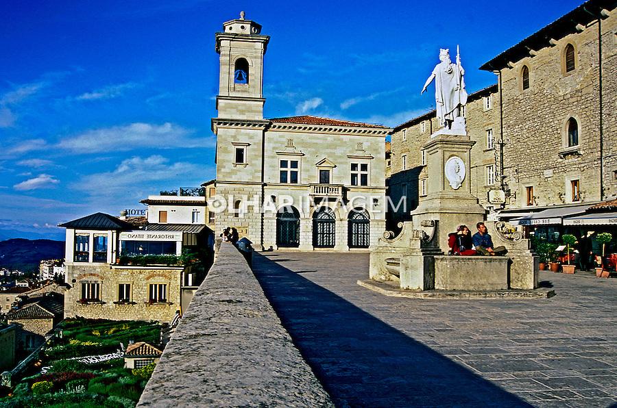 Praça central de San Marino. 2002. Foto de Vinicius Romanini.