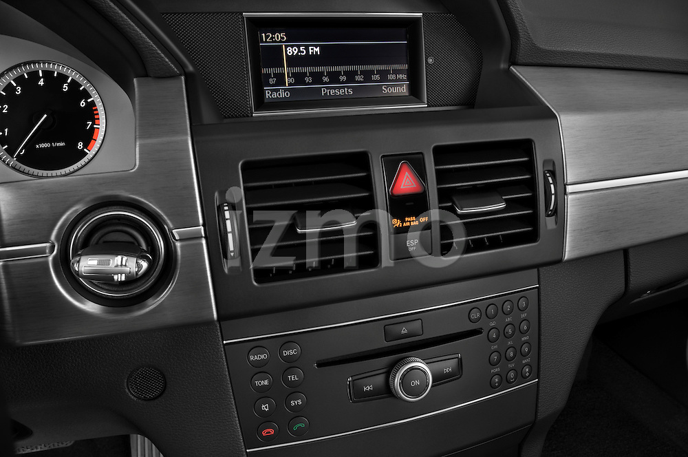 Stereo audio system close up detail view of a 2010 Mercedes GLK Class 350