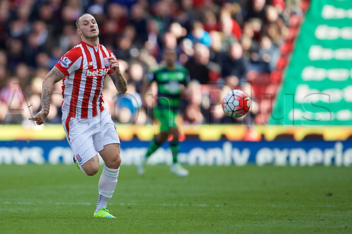 02.04.2016. Britannia Stadium, Stoke, England. Barclays Premier League. Stoke City versus Swansea City.  Stoke City forward Marko Arnautovic chases down the ball.