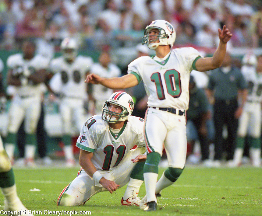 Olindo Mare kicks a field goal as the Jets defeated the Dolphins 20-3 in Miami , FL on November 19, 2000. (Photo by Brian Cleary / www.bcpix.com)