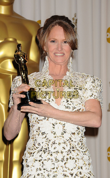 MELISSA LEO.Press room at the 83rd Annual Academy Awards at the Kodak Theatre, Hollywood, California, USA. .February 27th, 2011.Pressroom oscars winner trophy half length shoulder pads dress white lace high collar .CAP/ROT/TM.© Tony Michaels/Roth Stock/ Capital Pictures