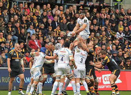 09.04.2016. Ricoh Arena, Coventry, England. European Champions Cup. Wasps versus Exeter Chiefs. Exeters; flanker Don Armand takes the lineout ball