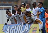 ENVIGADO -COLOMBIA-07-03-2015. Jugadores de Aguilas Pereira posa para una foto previo ala encuentro con Envigado FC por la fecha 8 de la Liga Águila I 2015 realizado en el Polideportivo Sur de la ciudad de Envigado./ Players of Aguilas Pereira pose to a photo prior the match against Envigado FC for the 8th date of the Aguila League I 2015 at Polideportivo Sur in Envigado city.  Photo: VizzorImage/León Monsalve/STR