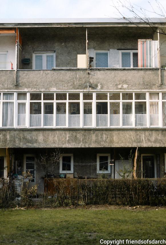 Frankfurt: Heimatsiedlung 1927-30. Elevation. Ernst May.