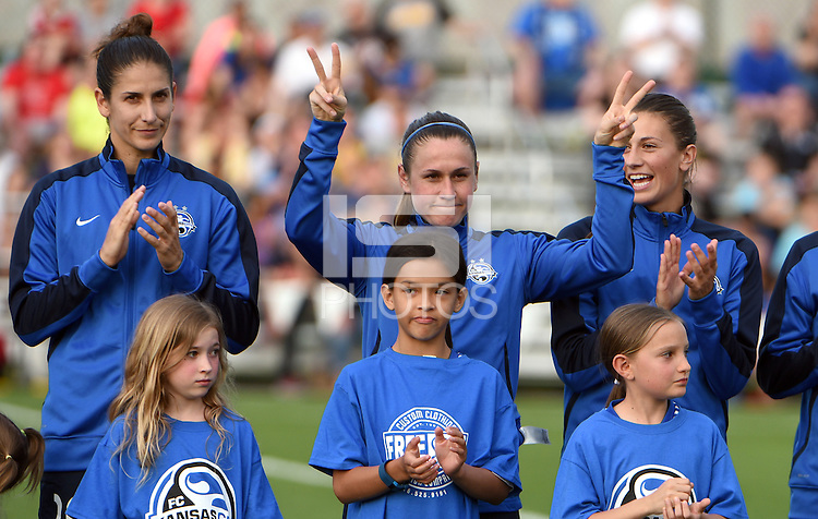 Kansas City, MO - Saturday May 07, 2016: FC Kansas City midfielder Heather O'Reilly (9) before a regular season National Women's Soccer League (NWSL) match at Swope Soccer Village. Houston won 2-1.