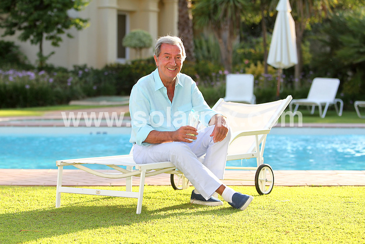 **ALL-ROUND EXCLUSIVE PICTURES FROM SOLARPIX.COM** **WORLDWIDE SYNDICATION RIGHTS** Pictures show TV entertainment legend Des O'Connor at his holiday home in Marbella. <br />