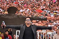 SAO PAULO, SP, 01 DE MAIO  DE 2012 -  1º DE MAIO UNIFICADO - Show do cantor Leonardo durante dia do trabalhador unificado que foi comemorado com ato organizado pela Força Sindical e diversos outros sindicatos na praça Campos de Bagatelle, zona norte da cidade. FOTO: LEVI BIANCO - BRAZIL PHOTO PRESS