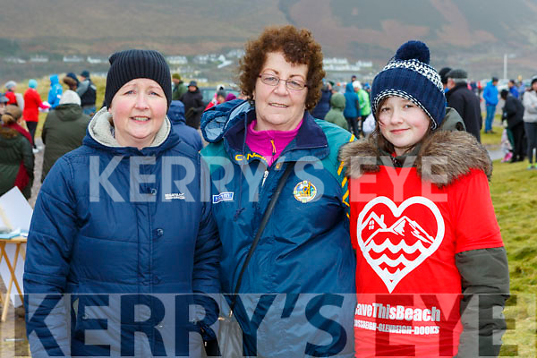 Margaret Griffin, Geraldine Murphy and Robyn Griffin at the protest to Oyster farming at Rossbeigh beach on Sunday