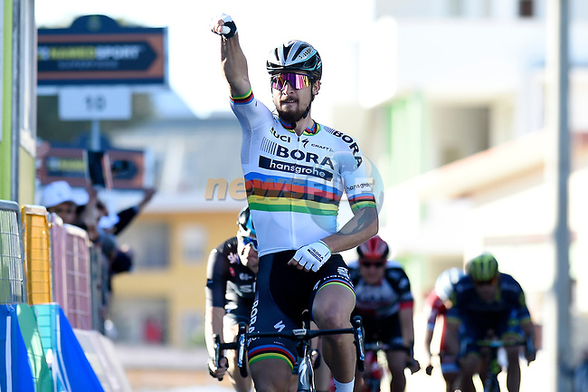 World Champion Peter Sagan (SVK) Bora-Hansgrohe wins Stage 3 of the 2017 Tirreno Adriatico running 204km from Monterotondo Marittimo to Montalto di Castro, Italy. 10th March 2017.<br /> Picture: La Presse/Fabio Ferrari | Cyclefile<br /> <br /> <br /> All photos usage must carry mandatory copyright credit (&copy; Cyclefile | La Presse)