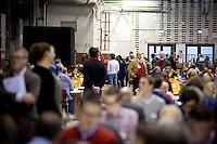 Die SPD-Generalsekret&auml;rin Andrea Nahles geht am Samstag (14.12.13) in Berlin durch die Halle, in der die Ausz&auml;hlung des SPD Mitgliederentscheids zur Gro&szlig;en Koalition mit der CDU/CSU stattfindet.<br /> Foto: Axel Schmidt/CommonLens<br /> <br /> Berlin, Germany, politics, Deutschland, 2013, Gro&szlig;e Koalition, Groko, Koalition, SPD, Mitglieder, Basis, Mitgliederentscheid, Entscheid, Mitgliedervotum, Votum