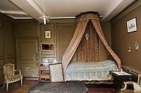 France, Côtes d'Armor (22), Pluduno: Château de Monchoix - Malouinière Garangeau -  La Chambre de Chateaubriand  //  France, Cotes d'Armor, Cote d'Emeraude (Emerald Coast), Pluduno: Castle Monchoix - Malouinière Garangeau, Bedroom of Chateaubriand