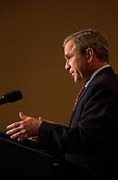 Le President George W Bush au sommet des ameriques 2001<br /> <br /> PHOTO :   Agence Quebec Presse