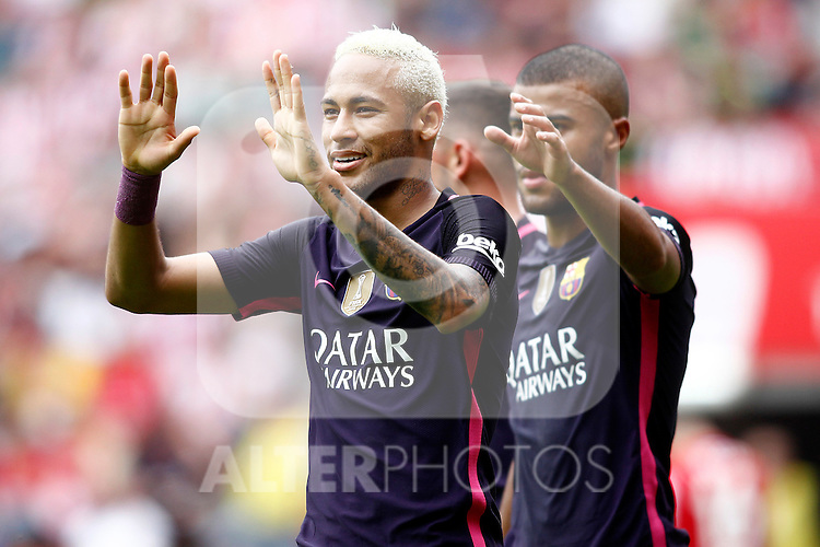 FC Barcelona's Neymar Santos Jr (l) and Rafinha Alcantara celebrate goal during La Liga match. September 24,2016. (ALTERPHOTOS/Acero)