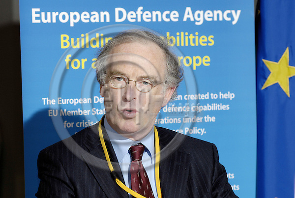 Brussels-Belgium - 15 February 2008---Lodewijk -Lo- Frans Felix CASTELEIJN, Chairman of EDA (European Defence Agency) Capabilities Steering Board, during a press conference---Photo: Horst Wagner / eup-images