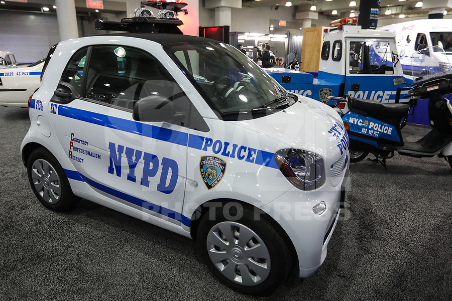 NEW YORK, EUA, 13.04.2017 - AUTOMÓVEL-NEW YORK - Veiculo usado pela Policia de New York , NYDP é visto durante o New York Internacional Auto Show no Javits Center na cidade de New York nesta quinta-feira, 13. O evento é aberto ao público do dia 14 à 23 de abril de 2017 . (Foto: Vanessa Carvalho/Brazil Photo Press)