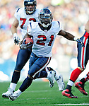 1 November 2009: Houston Texans' running back Ryan Moats in action against the Buffalo Bills at Ralph Wilson Stadium in Orchard Park, New York, United States of America. The Texans defeated the Bills 31-10. Mandatory Credit: Ed Wolfstein Photo