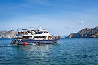 Croatia, Kvarner Gulf, Krk Island, Baska: sightseeing boat | Kroatien, Kvarner Bucht, Insel Krk, Baska: Ausflugsschiff zu den abgelegenen Inseln und Badebuchten