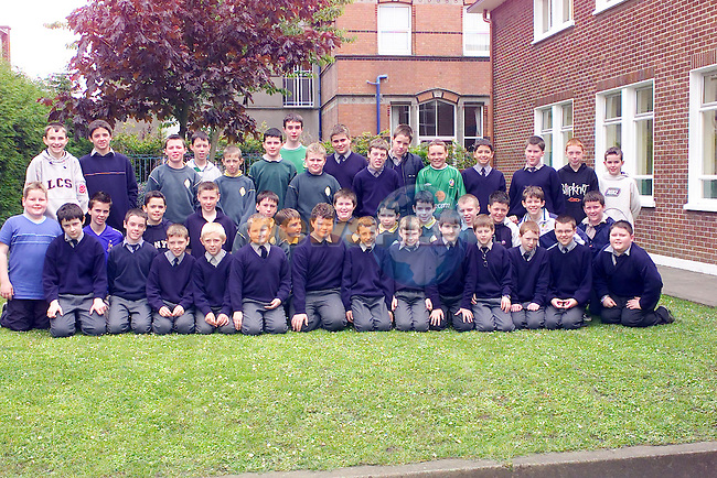 Students from St Josephs CBS Primary School who are going on a school trip to Scotlane..Picture Fran Caffrey Newsfile...This Picture is sent to you by:..Newsfile Ltd.The View, Millmount Abbey, Drogheda, Co Louth, Ireland..Tel: +353419871240.Fax: +353419871260.GSM: +353862500958.ISDN: +353419871010.email: pictures@newsfile.ie.www.newsfile.ie