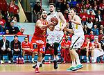 ****BETALBILD**** <br /> Uppsala 2015-04-24 Basket SM-Final 3 Uppsala Basket - S&ouml;dert&auml;lje Kings :  <br /> Uppsalas Mannos Nakos i kamp om bollen med S&ouml;dert&auml;lje Kings Toni Bizaca och Aaron Andersson under matchen mellan Uppsala Basket och S&ouml;dert&auml;lje Kings <br /> (Foto: Kenta J&ouml;nsson) Nyckelord:  Basket Basketligan SM SM-final Final Fyrishov Uppsala S&ouml;dert&auml;lje Kings SBBK
