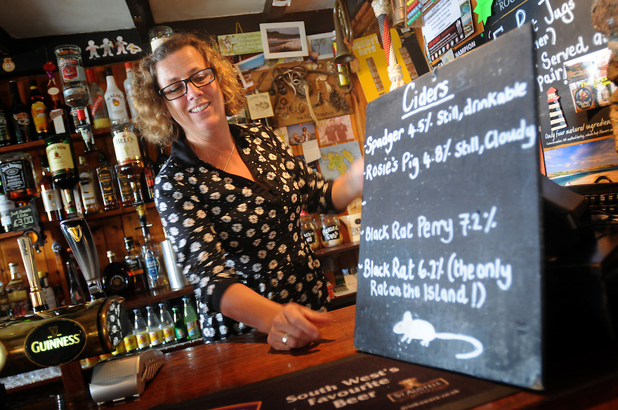THE ISLES OF SCILLY SEABIRD RECOVERY PROJECT. NICKI ANDERSON, LANDLADY OF THE TURK'S HEAD, ST AGNES. 17/06/2015. PHOTOGRAPHER CLARE KENDALL.