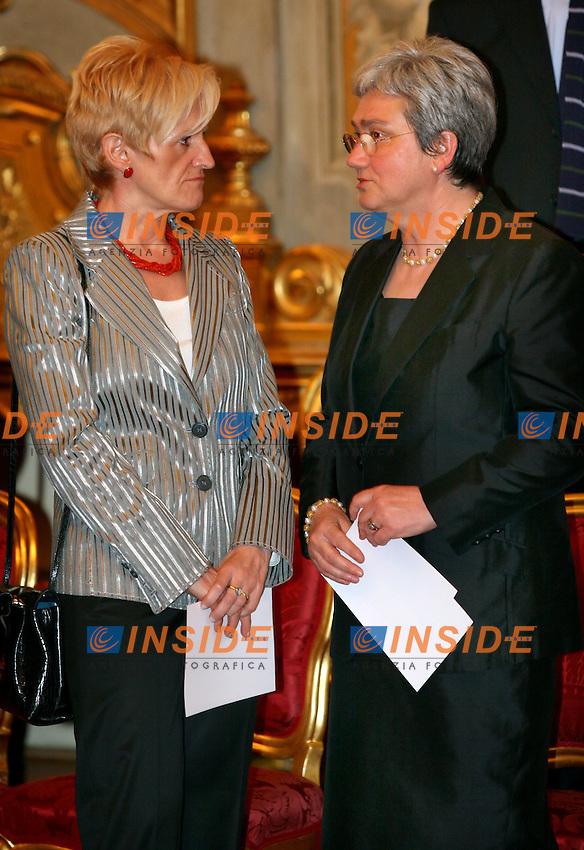 Roma, 17-05- 2006:Quirinale:Giuramento del nuovo Governo Prodi<br /> Nella foto  il ministro della Sanita' Livia Turco e il ministro per la Famiglia Rosi Bindi<br /> Photo Serena Cremaschi Insidefoto