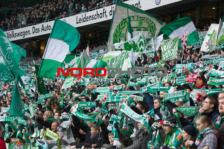 11.03.2012, Weser Stadion, Bremen, GER, 1.FBL, Werder Bremen vs Hannover 96, im Bild<br /> Ostkurve Fans feuern die Mannschaft an<br /> // during the Match GER, 1.FBL, Werder Bremen vs Hannover 96,  Weser Stadion, Bremen, Germany, on 2012/03/11<br /> Foto &copy; nph / Kokenge