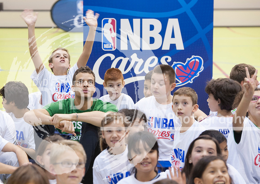 R. J. Hunter during clinic with kids