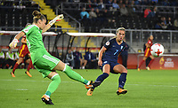 20170723 - BREDA , NETHERLANDS : English Jordan Nobbs (R) and Spanish Sandra Panos (L) pictured during the female soccer game between England and Spain  , the second game in group D at the Women's Euro 2017 , European Championship in The Netherlands 2017 , Sunday 23 th June 2017 at Stadion Rat Verlegh in Breda , The Netherlands PHOTO SPORTPIX.BE | DIRK VUYLSTEKE