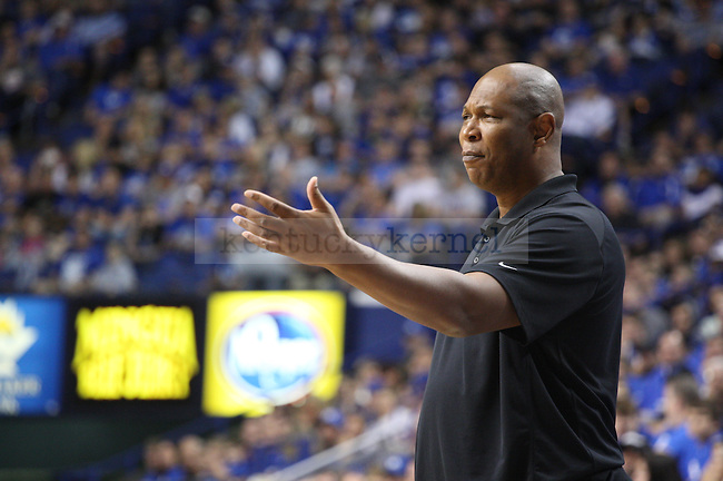 Assistant coach Kenny Payne gestures after a call during the first half of the Blue-White Scrimmage at Rupp Arena on Monday, October 27, 2014 in Lexington, Ky. Photo by Adam Pennavaria | Staff