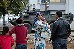 TURKEY, Suruc,10 km away from syrian border and from IS Islamic state besieged town Kobani, syrian refugees from Kobane and turkish special police forces and military in Suruc / TUERKEI, Suruc, 10 km entfernt von der syrischen Grenze und der vom IS belagerten Stadt Kobani, syrische Fluechtlinge aus Kobane und tuerkische Spezialeinheiten und Armee in der Stadt