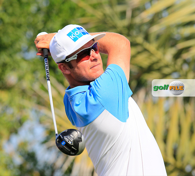 Mikko Ilonen (FIN) tees off the 2nd tee during Friday's Round 2 of the Abu Dhabi HSBC Golf Championship 2015 held at the Abu Dhabi Golf Course, United Arab Emirates. 16th January 2015.<br /> Picture: Eoin Clarke www.golffile.ie