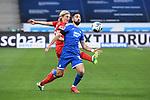 Zweikampf, Duell zwischen Munas Dabbur (Hoffenheim) und Sebastiaan Bornauw (1. FC Koeln).<br /> <br /> Sport: Fussball: 1. Bundesliga: Saison 19/20: 28. Spieltag: TSG 1899 Hoffenheim - 1. FC Koeln, 27.05.2020<br /> <br /> Foto: Markus Gilliar/GES/POOL/PIX-Sportfotos.<br /> <br /> Nur für journalistische Zwecke! Only for editorial use!<br /> <br /> Gemäß den Vorgaben der DFL Deutsche Fußball Liga ist es untersagt, in dem Stadion und/oder vom Spiel angefertigte Fotoaufnahmen in Form von Sequenzbildern und/oder videoähnlichen Fotostrecken zu verwerten bzw. verwerten zu lassen. DFL regulations prohibit any use of photographs as image sequences and/or quasi-video.