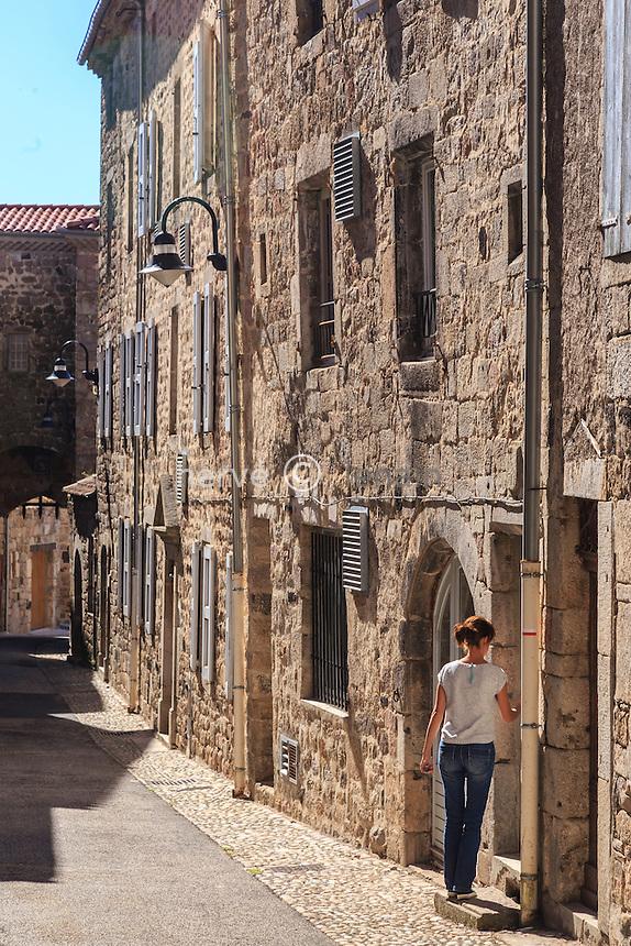 France, Haute-Loire (43), Pradelles, labellisé Les Plus Beaux Villages de France, rue du Mazel // France, Haute Loire, Pradelles,  labelled Les Plus Beaux Villages de France (The Most beautiful Villages of France), Mazel street