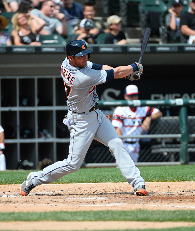 Detroit Tigers Andrew Romine (17) during a game against the Chicago White Sox on July 24, 2016 at US Cellular Field in Chicago, IL. The White Sox beat the Tigers 5-4.