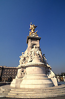 Victoria statue in London England