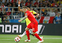 MOSCU - RUSIA, 03-07-2018: Johan MOJICA (Der) jugador de Colombia disputa el balón con Kieran TRIPPIER (Izq) jugador de Inglaterra durante partido de octavos de final por la Copa Mundial de la FIFA Rusia 2018 jugado en el estadio del Spartak en Moscú, Rusia. / Johan MOJICA (R) player of Colombia fights the ball with ¨Jack BUTLAND (L) player of England during match of the round of 16 for the FIFA World Cup Russia 2018 played at Spartak stadium in Moscow, Russia. Photo: VizzorImage / Julian Medina / Cont