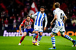 Ruben Pardo of Real Sociedad (C) in action during the La Liga 2018-19 match between Atletico de Madrid and Real Sociedad at Wanda Metropolitano on October 27 2018 in Madrid, Spain.  Photo by Diego Souto / Power Sport Images