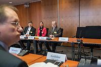 Die Mitglieder des 1. Untersuchungsausschuss &bdquo;Terroranschlag Breitscheidplatz&ldquo; des Deutschen Bundestag trafen am Donnerstag den 22 Maerz 2018 den Beauftragten der Bundesregierung fuer die Opfer und Hinterbliebenen des Terroranschlags auf dem Breitscheidplatz im Dezember 2016, Ministerpraesident a.D. Kurt Beck (rechts im Bild) zu einem Gespraech. Kurt Beck informierte die Ausschussmitglieder ueber die Erfahrungen aus seiner Taetigkeit.<br /> 22.3.2018, Berlin<br /> Copyright: Christian-Ditsch.de<br /> [Inhaltsveraendernde Manipulation des Fotos nur nach ausdruecklicher Genehmigung des Fotografen. Vereinbarungen ueber Abtretung von Persoenlichkeitsrechten/Model Release der abgebildeten Person/Personen liegen nicht vor. NO MODEL RELEASE! Nur fuer Redaktionelle Zwecke. Don't publish without copyright Christian-Ditsch.de, Veroeffentlichung nur mit Fotografennennung, sowie gegen Honorar, MwSt. und Beleg. Konto: I N G - D i B a, IBAN DE58500105175400192269, BIC INGDDEFFXXX, Kontakt: post@christian-ditsch.de<br /> Bei der Bearbeitung der Dateiinformationen darf die Urheberkennzeichnung in den EXIF- und  IPTC-Daten nicht entfernt werden, diese sind in digitalen Medien nach &sect;95c UrhG rechtlich geschuetzt. Der Urhebervermerk wird gemaess &sect;13 UrhG verlangt.]