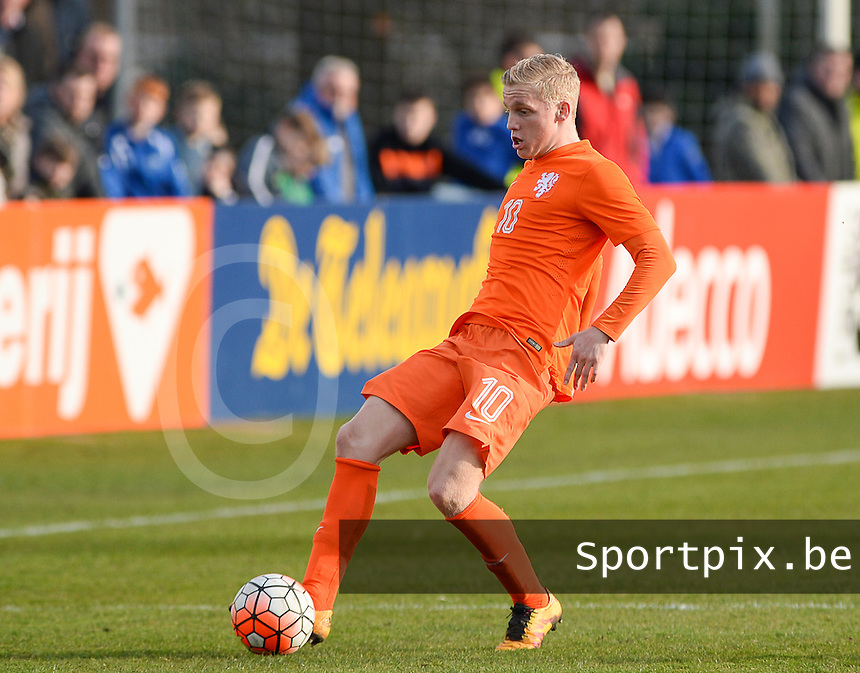 20160326  - Uden , NETHERLANDS : Dutch Donny van de Beek (10) pictured during the soccer match between the under 19 teams of The Netherlands and Northern Ireland , on the second matchday in group 4 of the UEFA Under19 Elite rounds in Uden , Netherlands. Saturday 26 th March 2016 . PHOTO DAVID CATRY