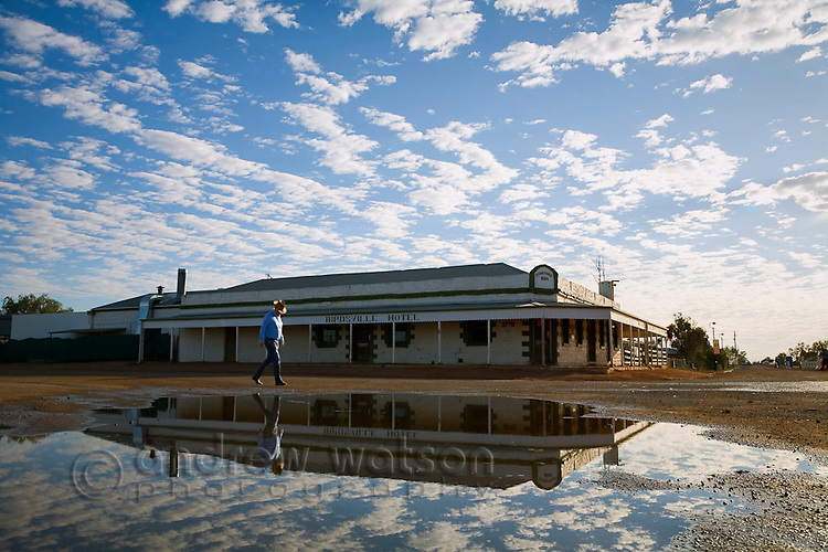 The historic Birdsville Hotel in southwest Queensland.  Dating back to 1884 the pub is one of the most famous drinking holes in outback Australia.  Birdsville, Queensland, AUSTRALIA.