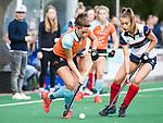HUIZEN  -   Evaline Janssens (Gro) met  , hoofdklasse competitiewedstrijd hockey dames, Huizen-Groningen (1-1)   COPYRIGHT  KOEN SUYK